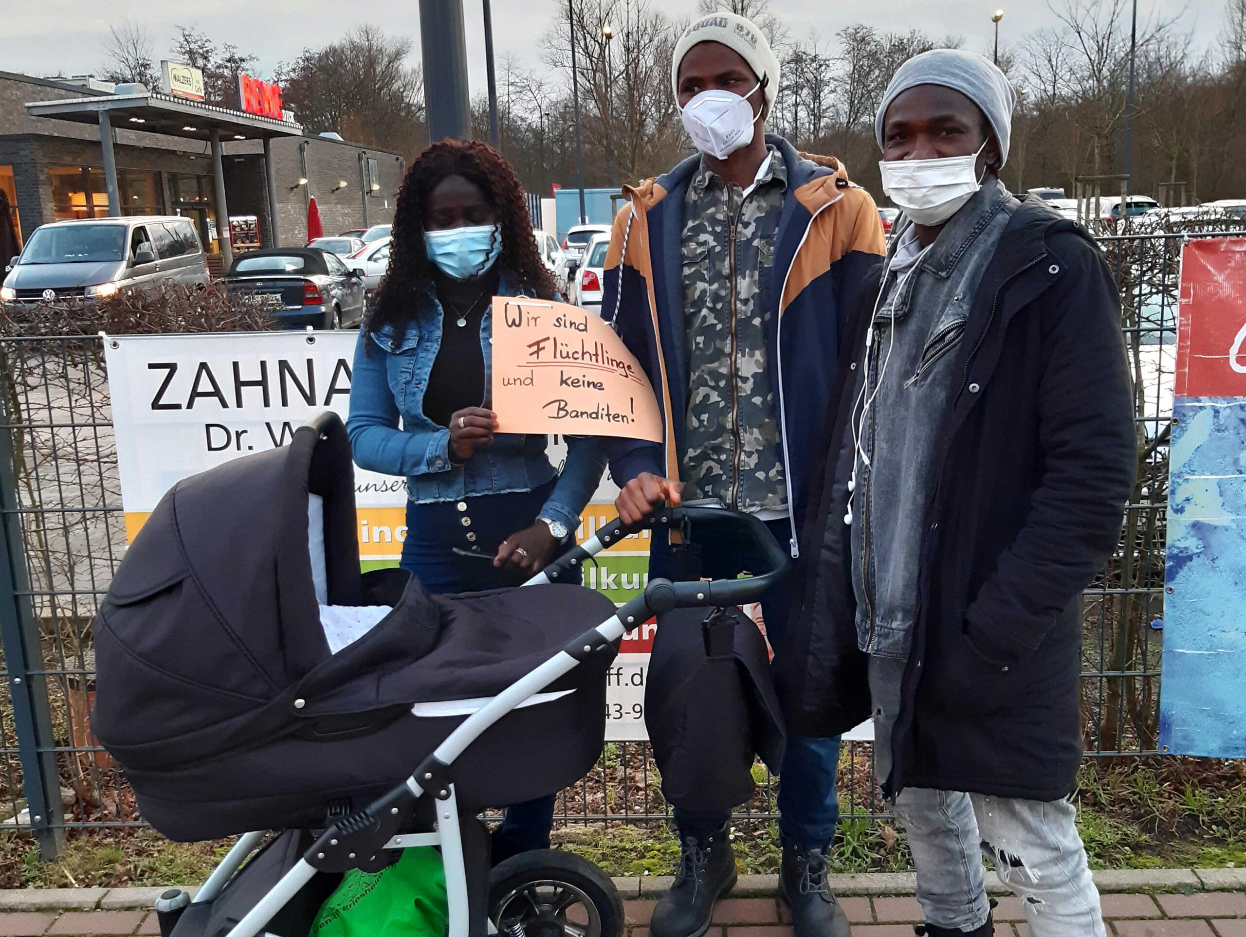 Flüchtlingsmütter fordern Papiere für ihre hier geborenen Kinder