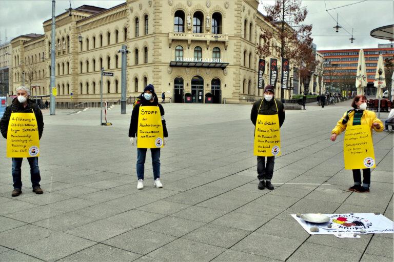Mahnwache mit Flyer und Spendensammlung zur Unterstützung von Alassa