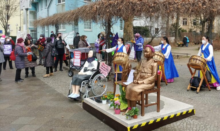 Kundgebung in Berlin Moabit zum internationalen Frauentag